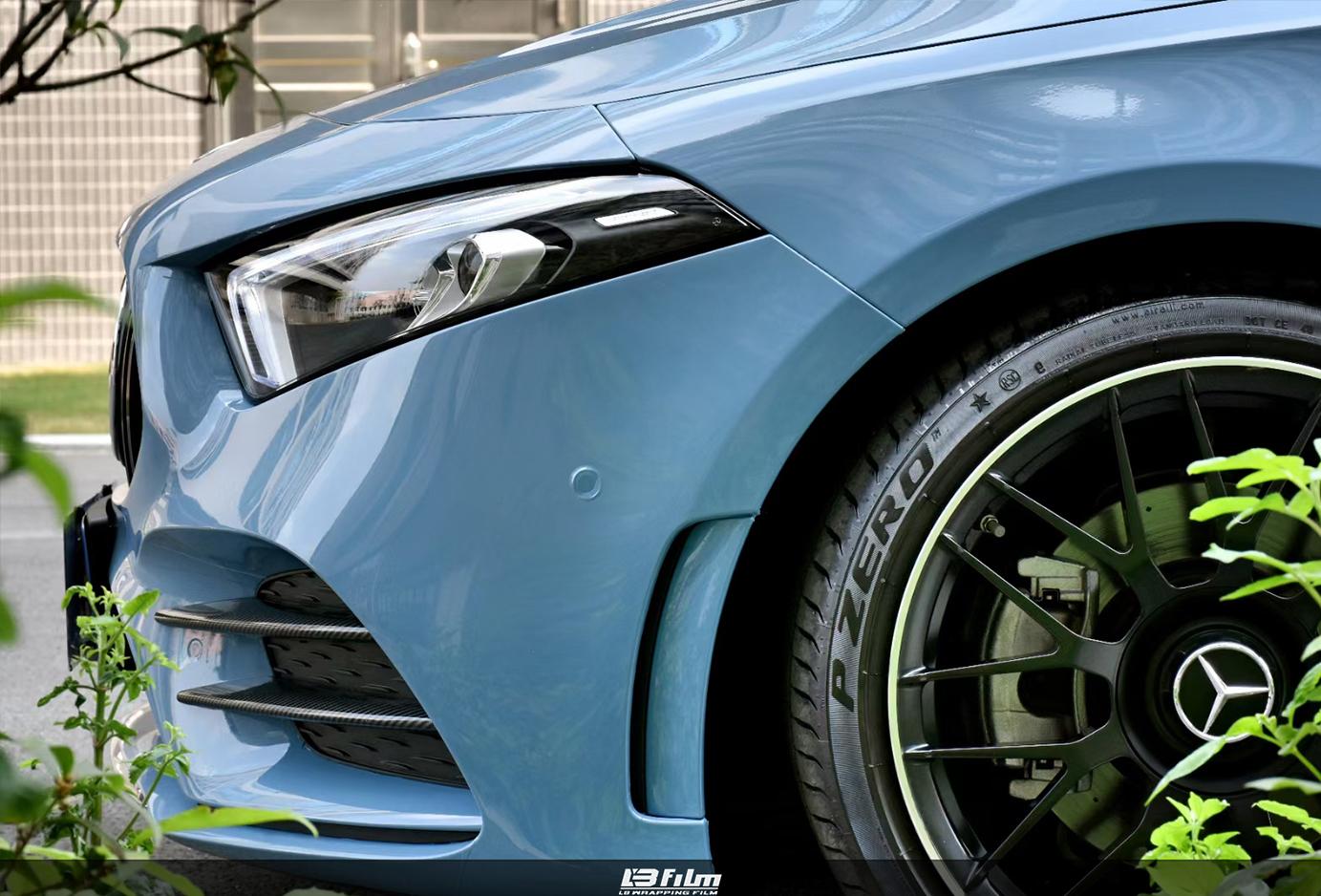 奔驰A级瓷器蓝